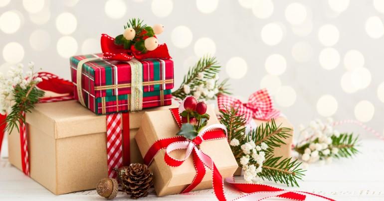 96cbbca3eec7f1a088e2d902ad982e918faabd0b_pile-of-christmas-presents.jpg