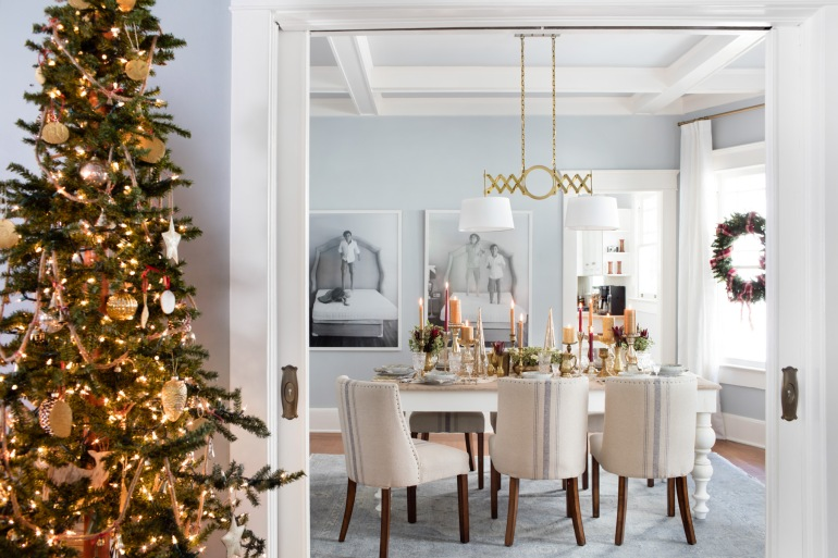 christmas-decorations-holiday-entertaining-ideas-from-hgtv-give-your-home-classic-style-8-videos_house-inside-decorated-for-christmas_home-decor_cheap-home-decor-decorating-blogs-online-fleur-de-lis-d.jpg